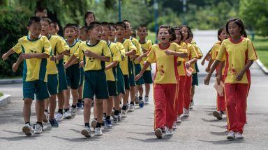 Вижте как изглеждат училищата в Северна Корея