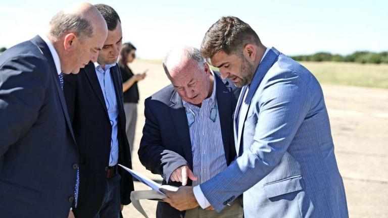 """Посредници на потенциален инвеститор огледаха летище """"Русе"""""""