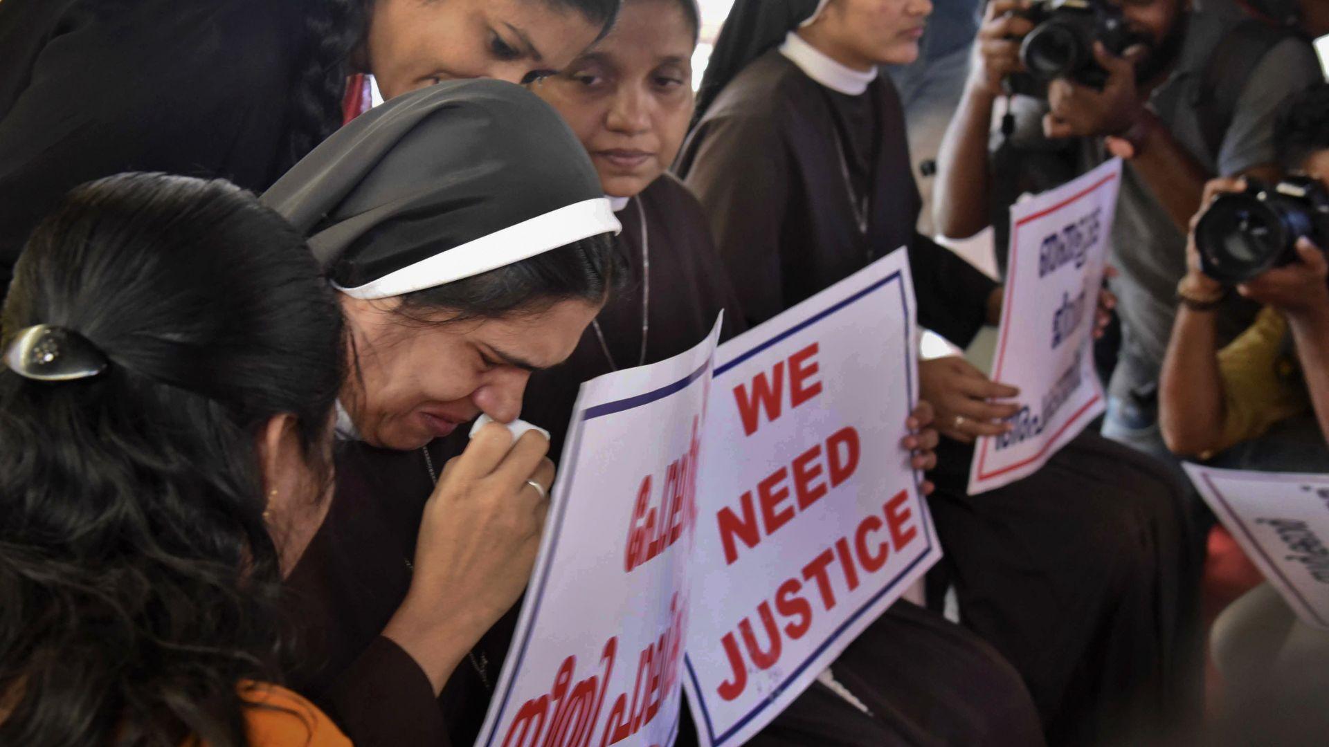 Нов скандал във Ватикана, индийски епископ изнасилвал монахиня
