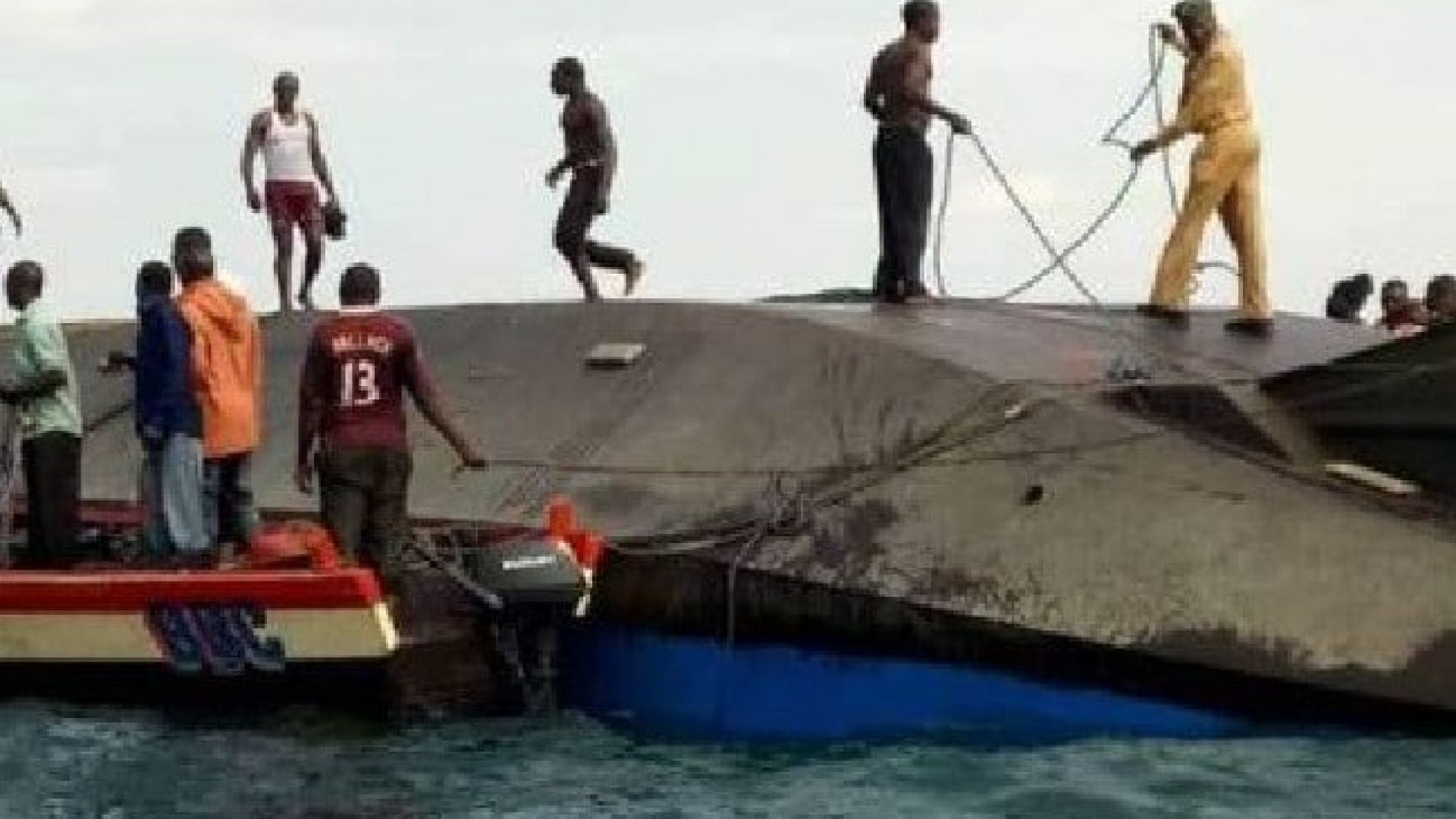 Трагедия в Танзания: Ферибот потъна в езерото Виктория