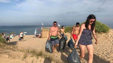 """С почистване на варненския плаж """"Ветеран"""" ще бъде закрито уиндсърф предизвикателството WIND2WIN"""
