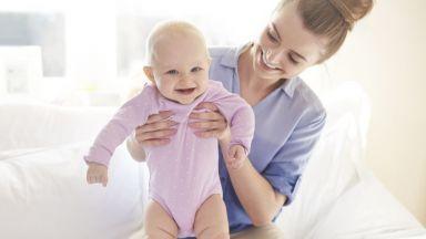 """Как да """"оцелеем"""" през първата година на бебето"""