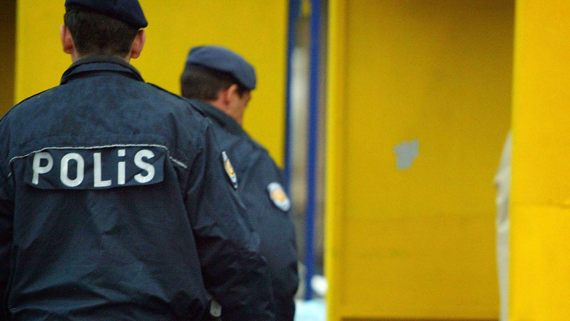Двама български граждани, на 45 и 37 години, са задържани