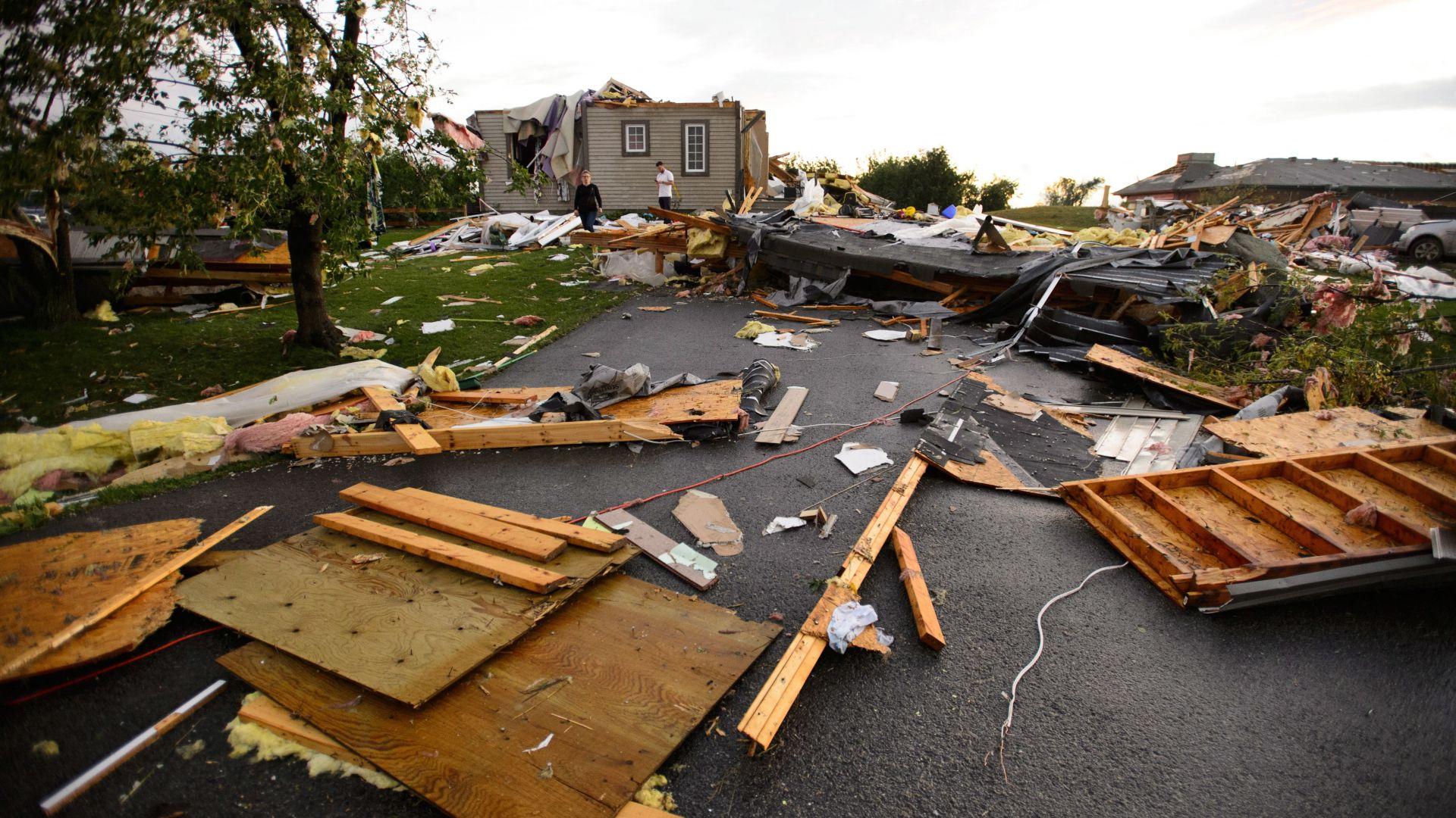 Торнадо нанесе сериозни щети в района на канадската столица Отава,