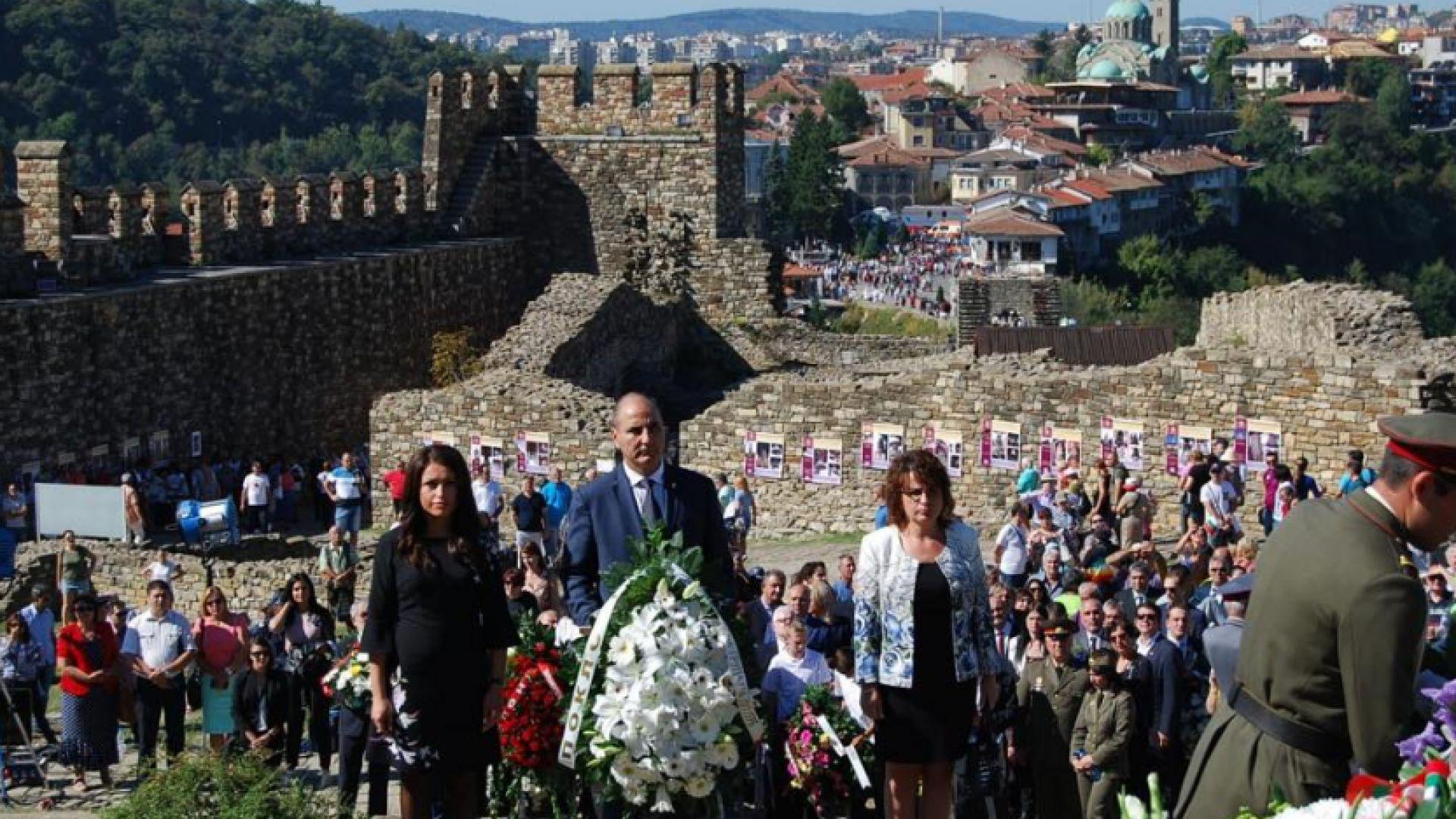 Независимостта е може би най-силният и най-истинският български празник, каза