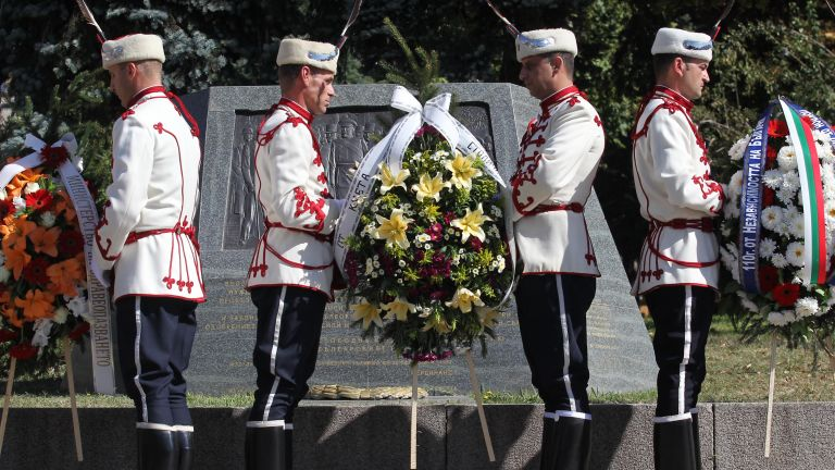 Председателят на Народното събрание Цвета Караянчева, президентът Румен Радев, вицепрезидентът
