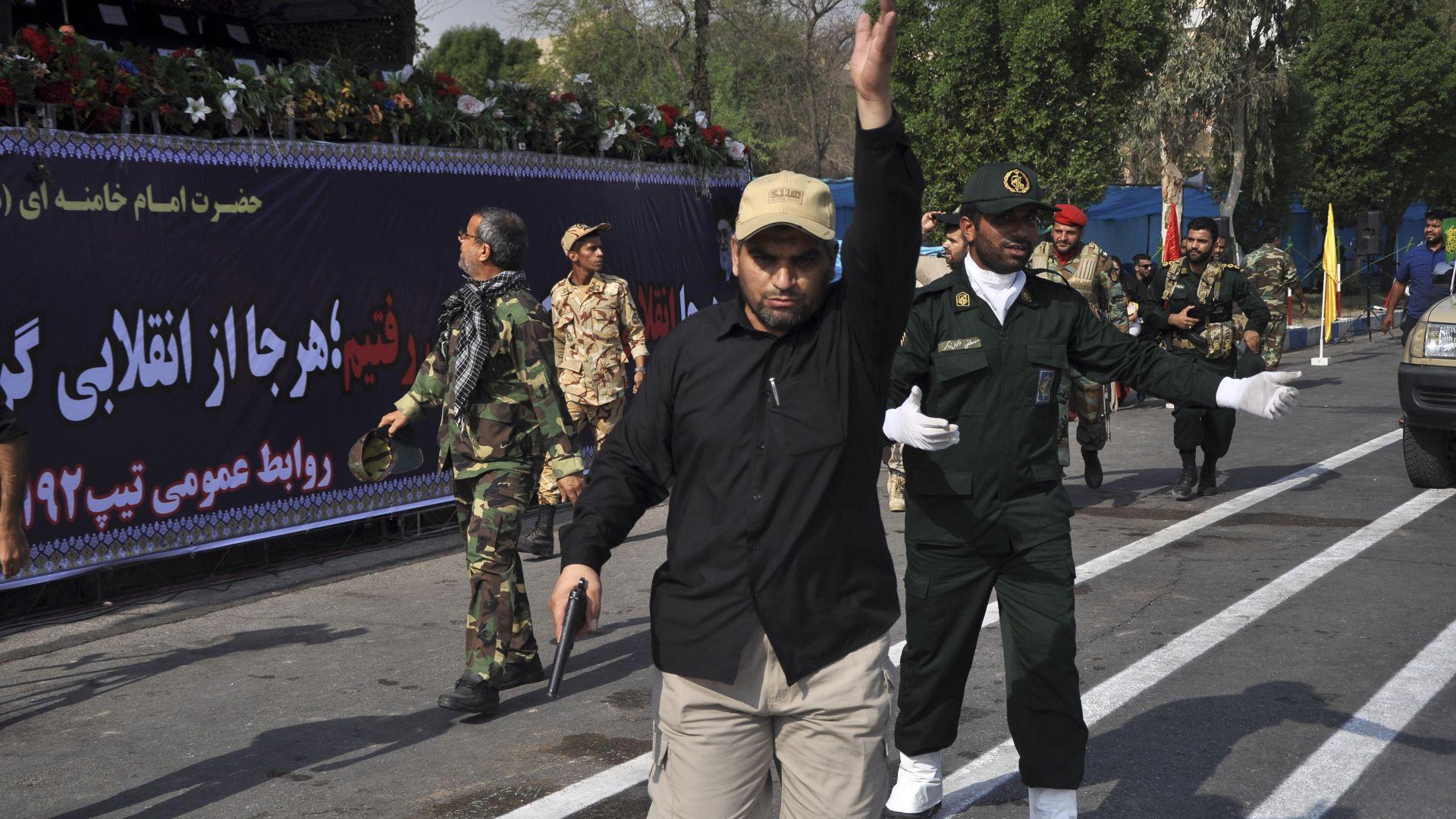 При нападение на военен парад в югозападния ирански град Ахваз