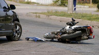 Моторист и шофьор загинаха след сблъсък край Кюстендил