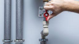 Предлагат сурови санкции при кражба на вода
