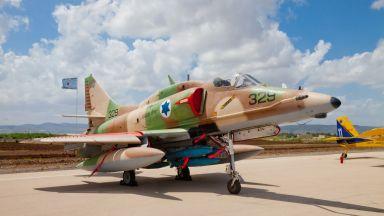 """Аарец"": Израел се страхува Русия да не ""подреже крилата"" му"