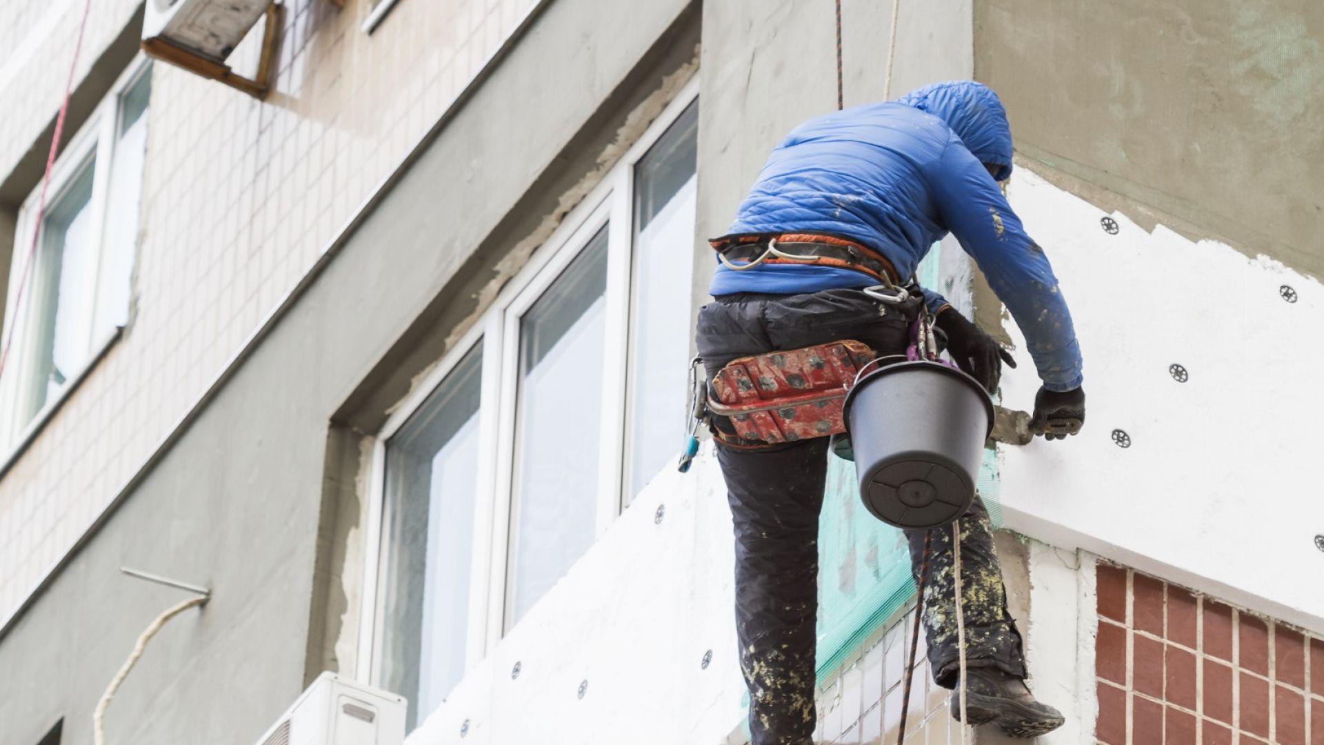Санирани са 1364 от 2022 сгради от Националната програма за енергийна ефективност