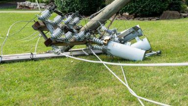 Ураганен вятър остави хиляди чехи без ток