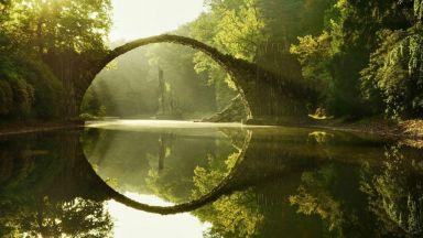 Мостът на Дявола Ракоцбрюке поразява с красота, обвита в мистичност
