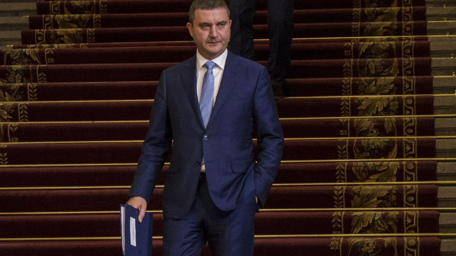 Горанов отхвърли идеята на Радев за разпределяне на излишъка