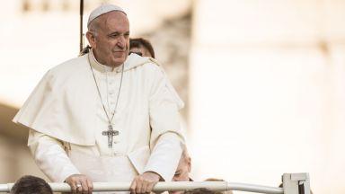 Папа Франциск призна, че сексскандалите в Католическата църкваотблъскват вярващите