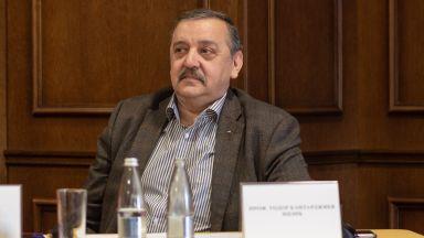 Тодор Кантарджиев: Ако 2 седмици не сваляме маските, случаите ще спаднат с 400 на ден