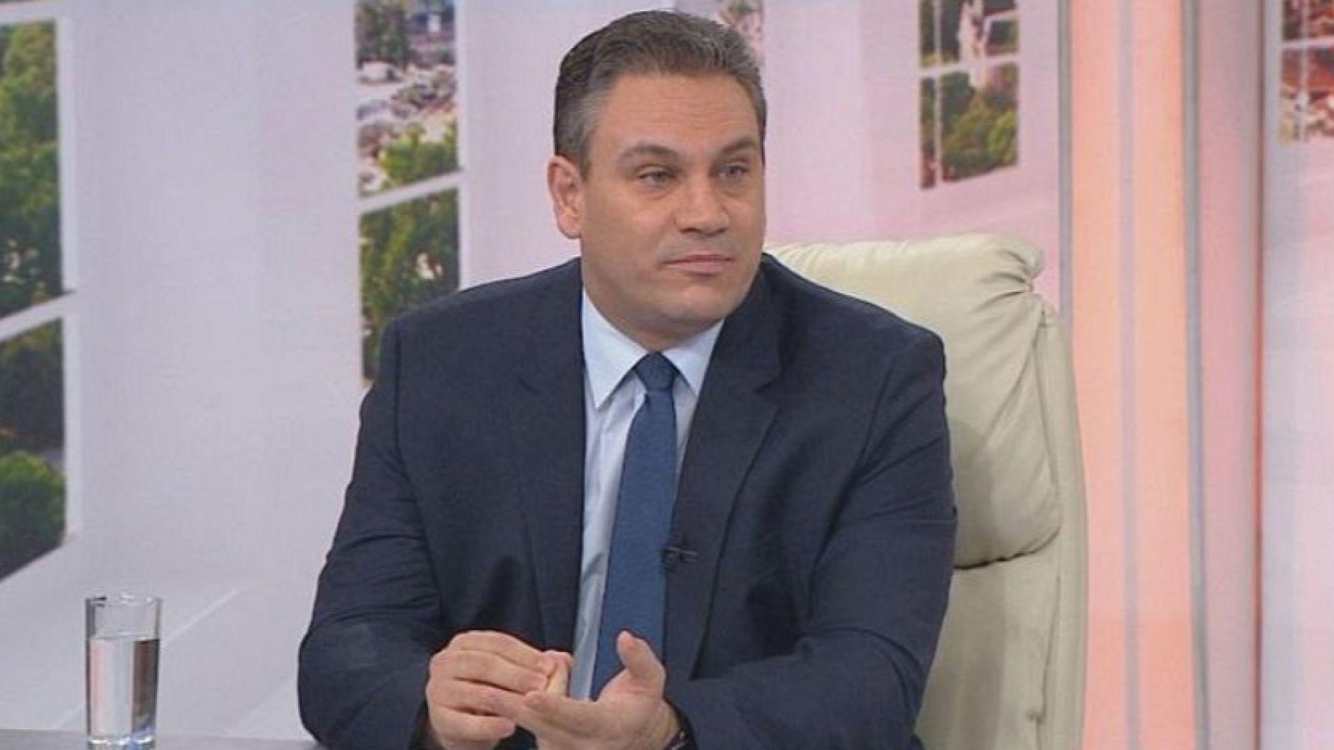Пламен Георгиев оспорва констатацията на общината за незаконните обекти на терасата му
