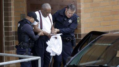 Бил Козби бе осъден на от 3 до 10 години затвор за сексуално насилие (снимки)