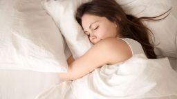 Специалисти определиха удължаващата живота продължителност на съня