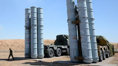Русия показа с видео доставката на С-300 в Сирия