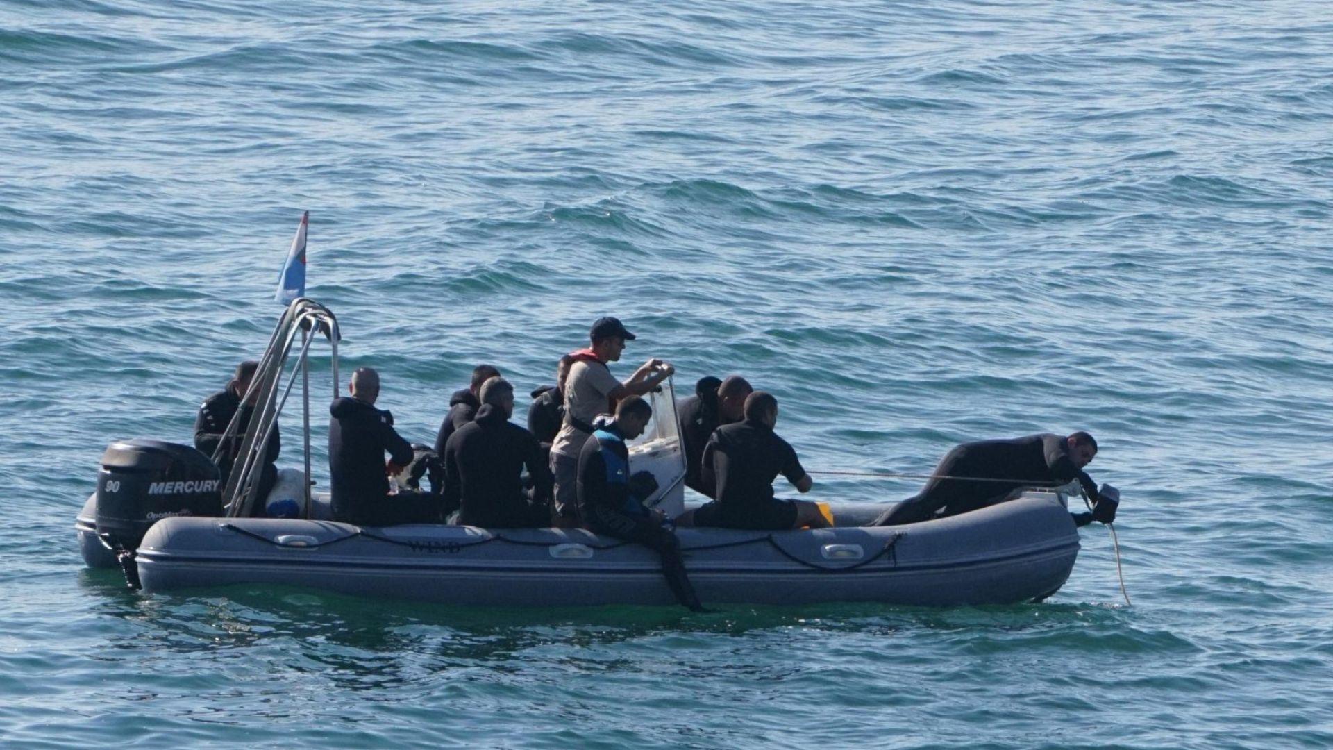 Виж още Морето погълна двама опитни рибари край Бунарджика