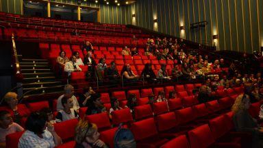 Сърменов показа новия стар салон на Сатирата