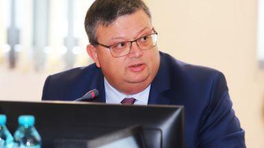 """Цацаров за убийството на Виктория: Не сме казали """"случаят е приключен"""""""