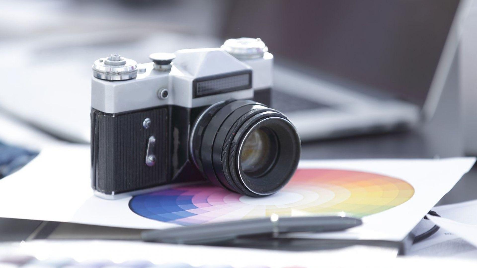 """Възраждат съветския фотоапарат """"Зенит"""""""
