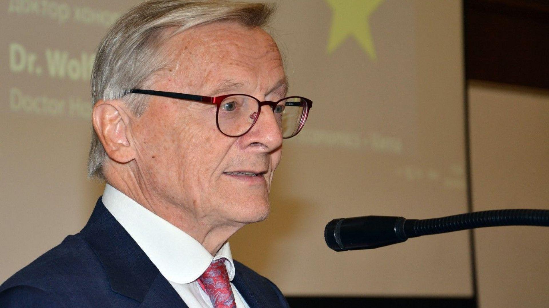 Не бързайте към еврозоната, препоръча Волфганг Шусел