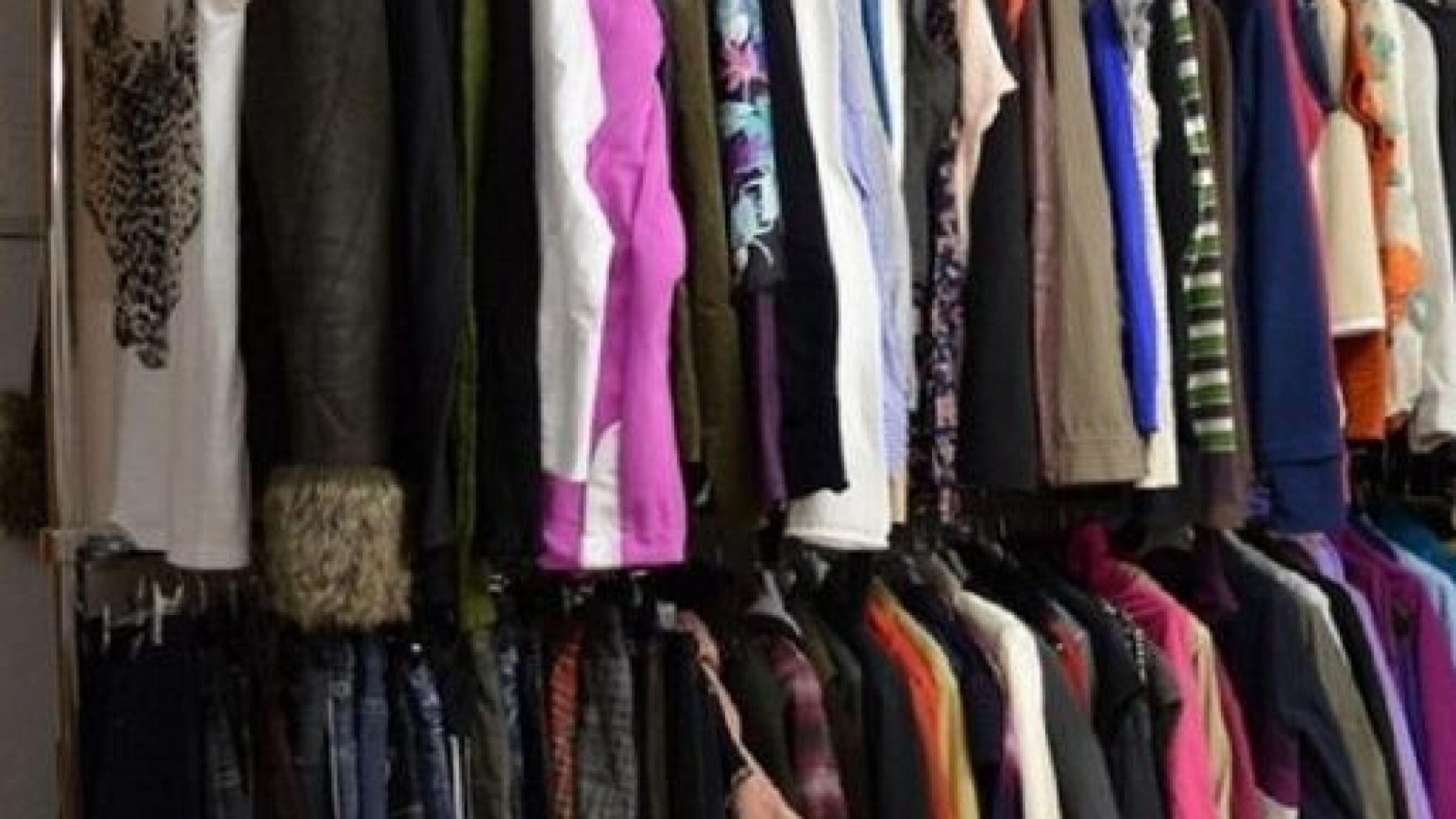 Какво възстановяване? Търговците на облекло поръчват по-малко, фабриките се борят за оцеляване