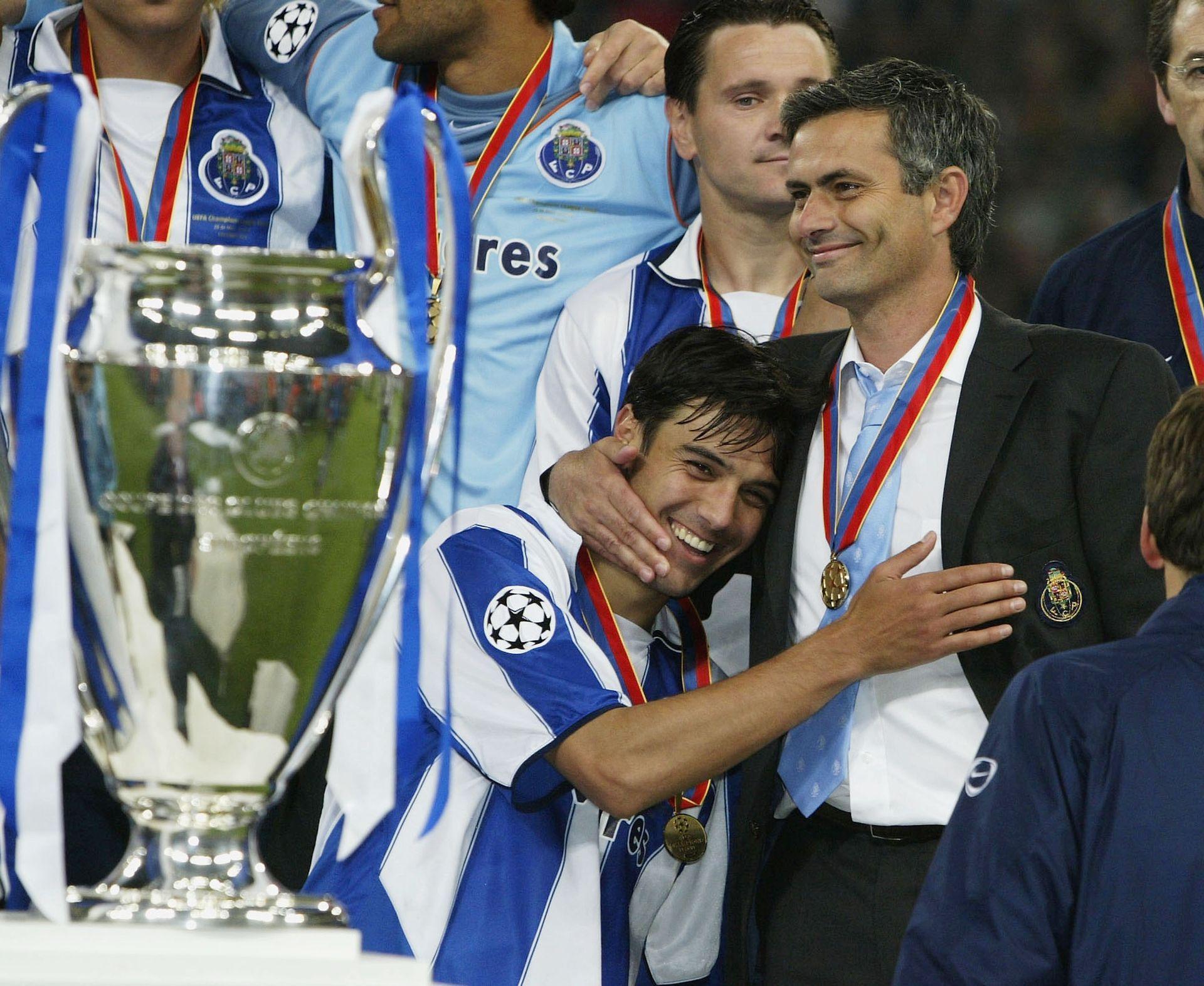 Треньор на тима ще е Жозе Моуриньо, който има 2 триумфа с тимовете на Порто и Интер