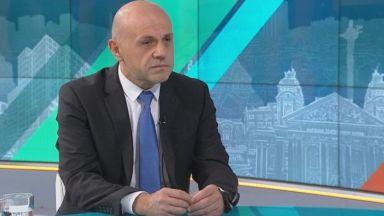 Томислав Дончев: Скандалът с апартаментите има потенциал да нанесе щети