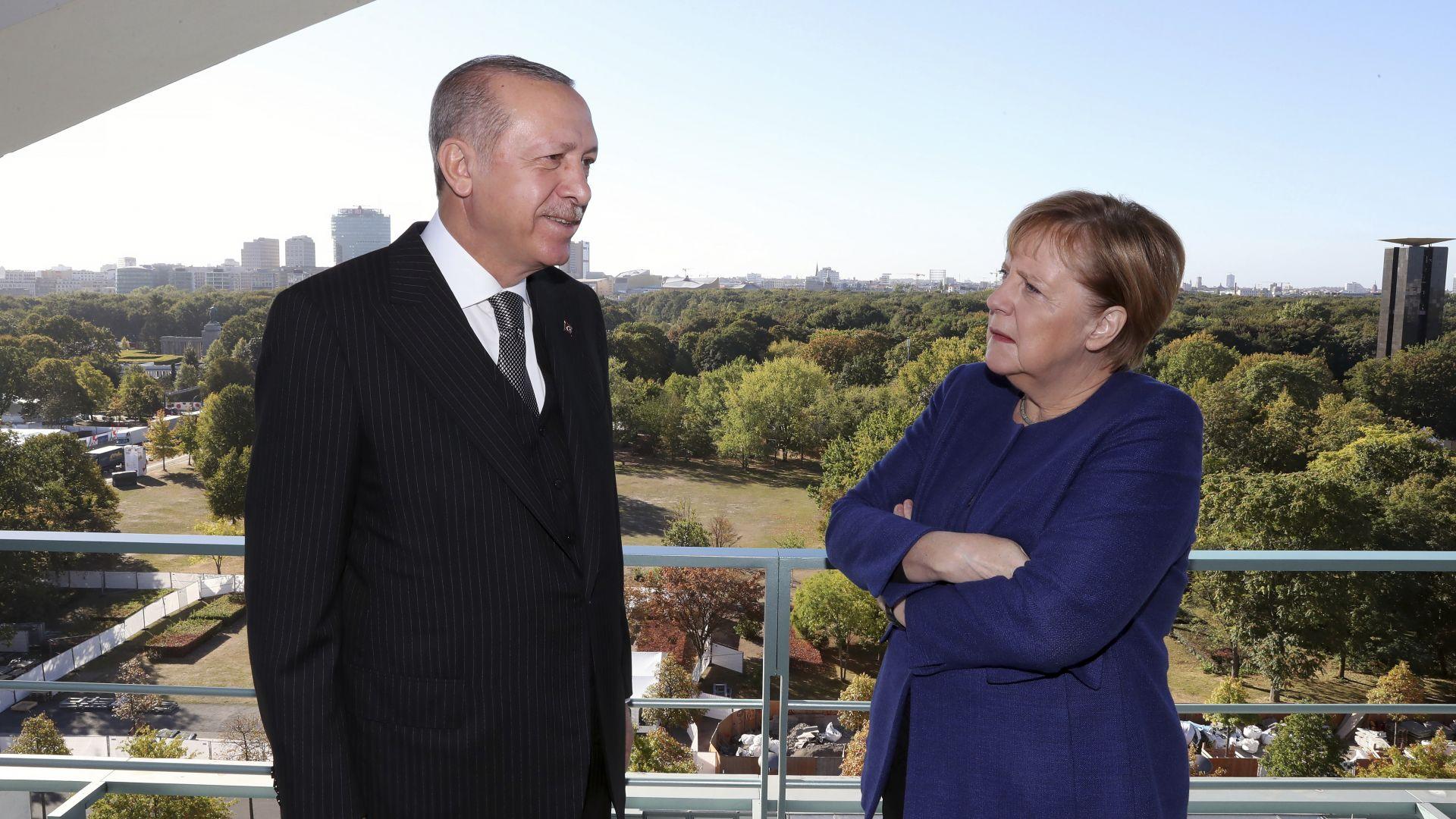 Ердоган стопля отношения на закуска с Меркел