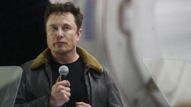 """Илон Мъск плаща 20 млн. долара за измама и вече не е шеф на """"Тесла"""""""