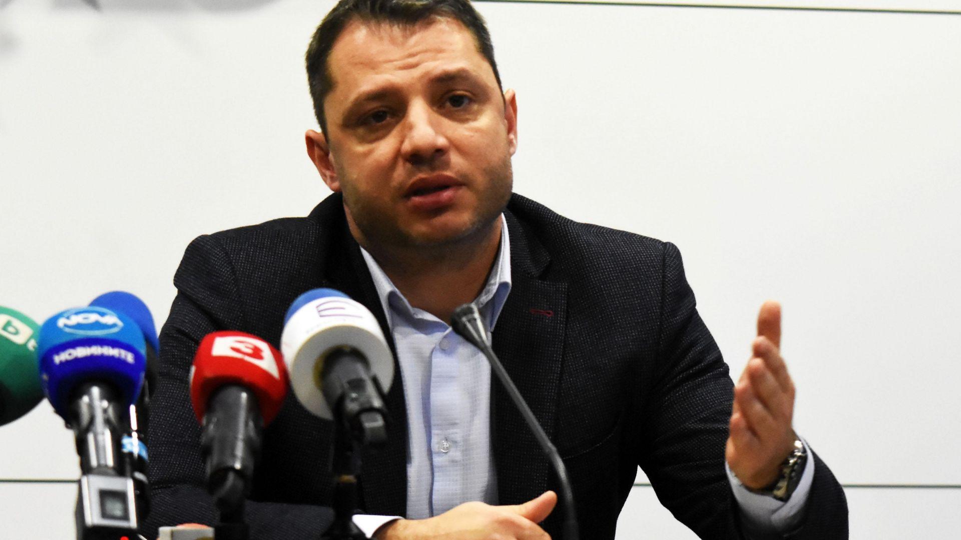 Делян Добрев: Водим разговори с Газпром за цената на газа