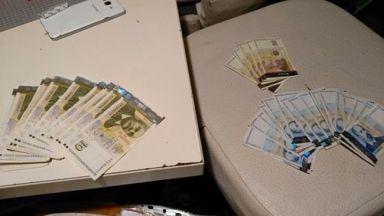 Млад мъж осуети телефонна измама, предал хвърлените пари в полицията