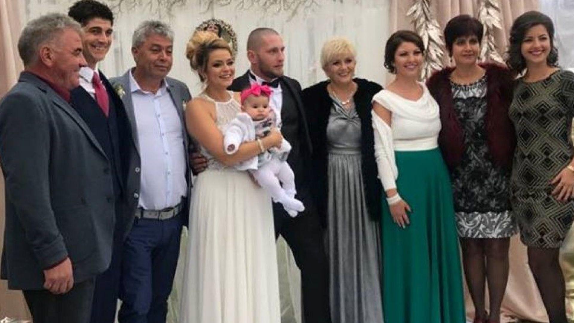 Николина Чакърдъкова омъжи дъщеря си (снимки)