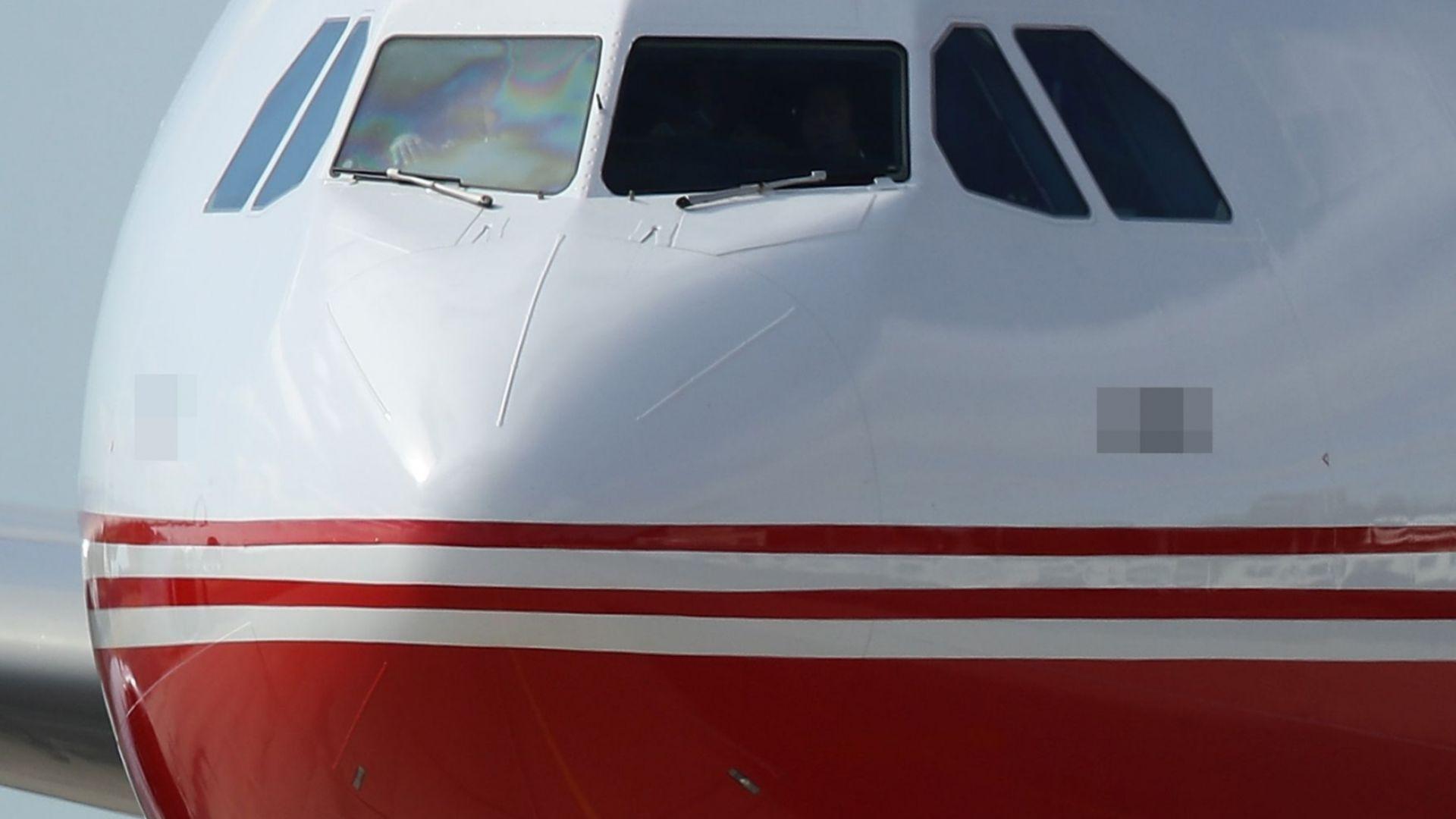 Германски самолет излезе от пистата при кацане в Турция