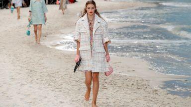 Chanel превърна Гран Пале в морски бряг. Лагерфелд свали тъмните очила