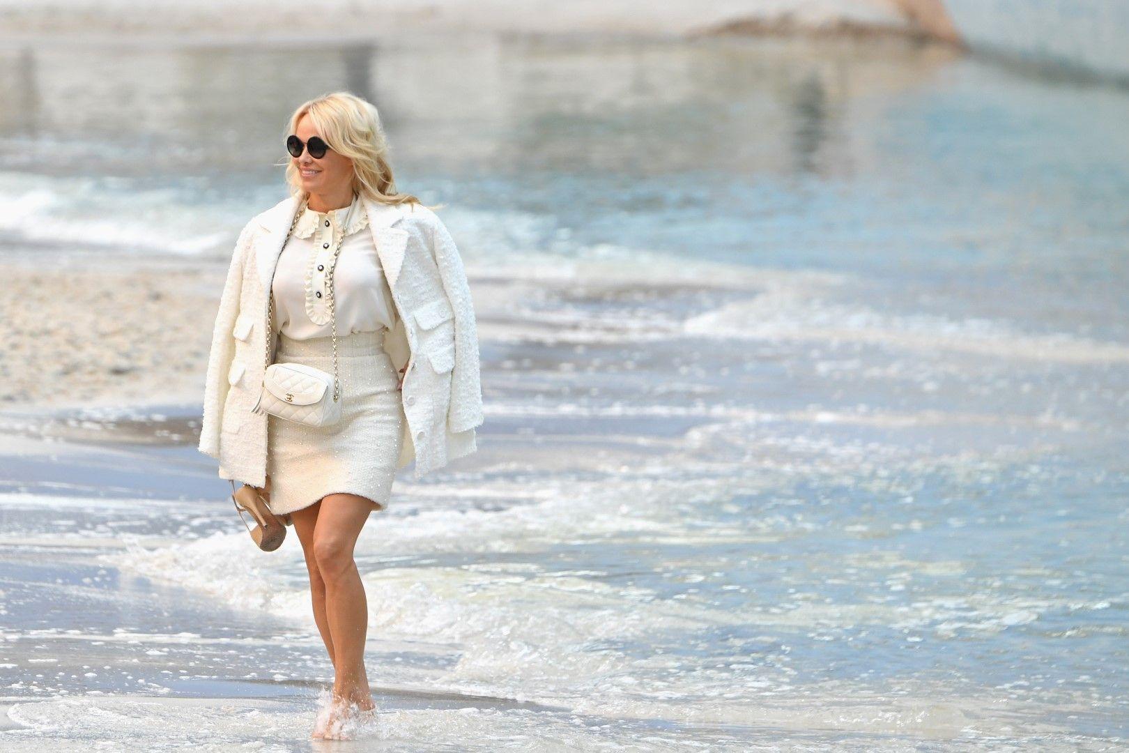 Памела Андерсън в морето на Гран Пале