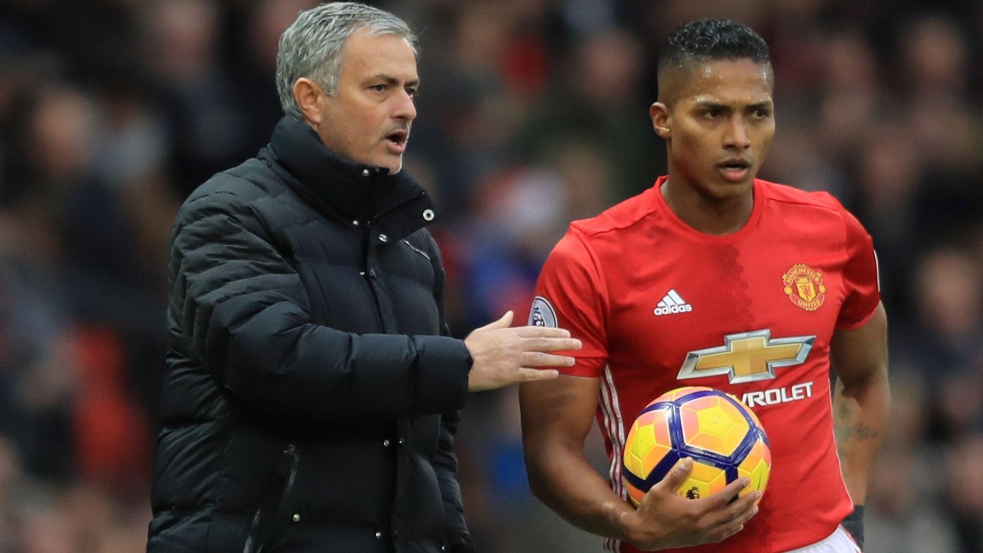 Жозе се скара и с капитана на Юнайтед
