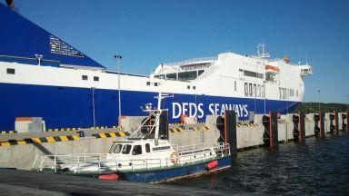 Гори ферибот с 335 души в Балтийско море