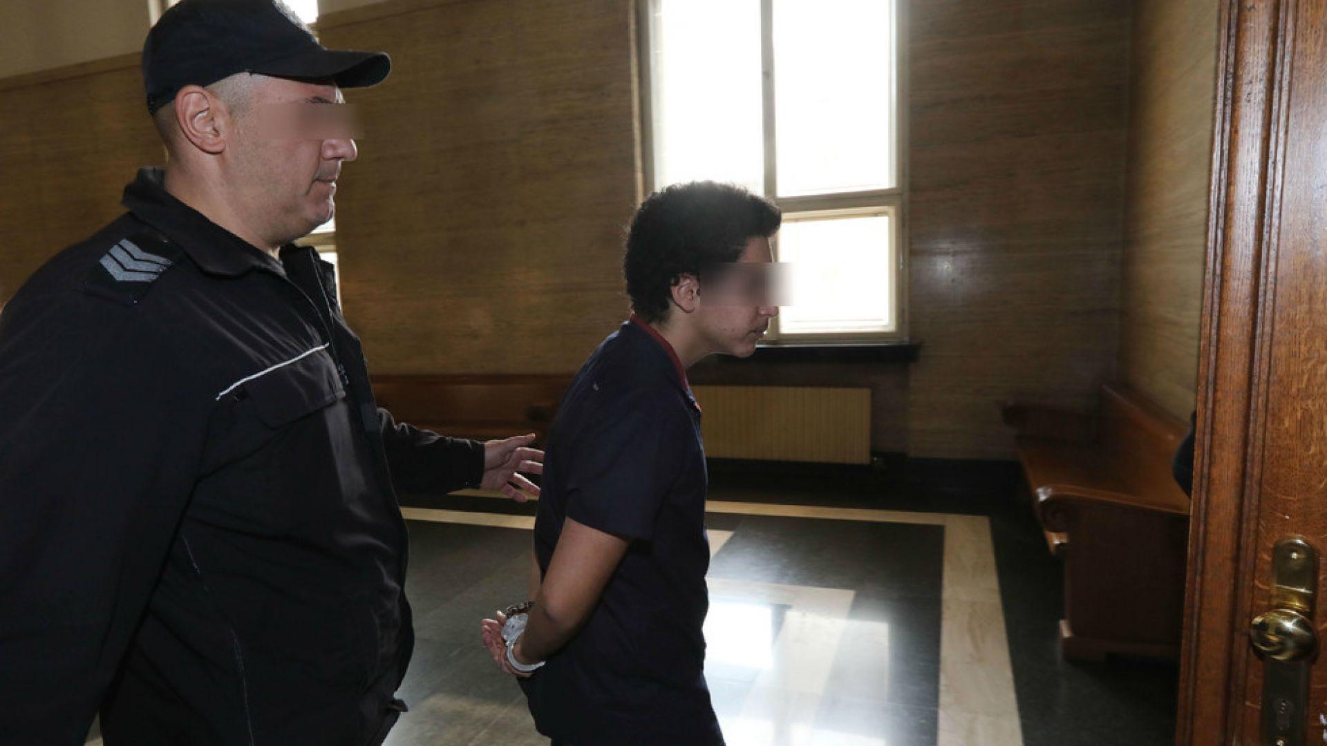 """Освободиха Даниал, който намушка друго момче в """"Надежда"""", тормозели го в ареста"""