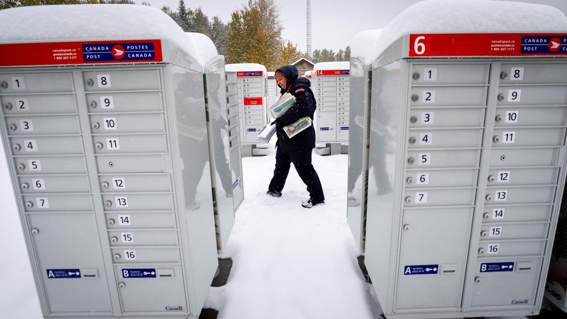 40 см сняг натрупа в Канада (видео)