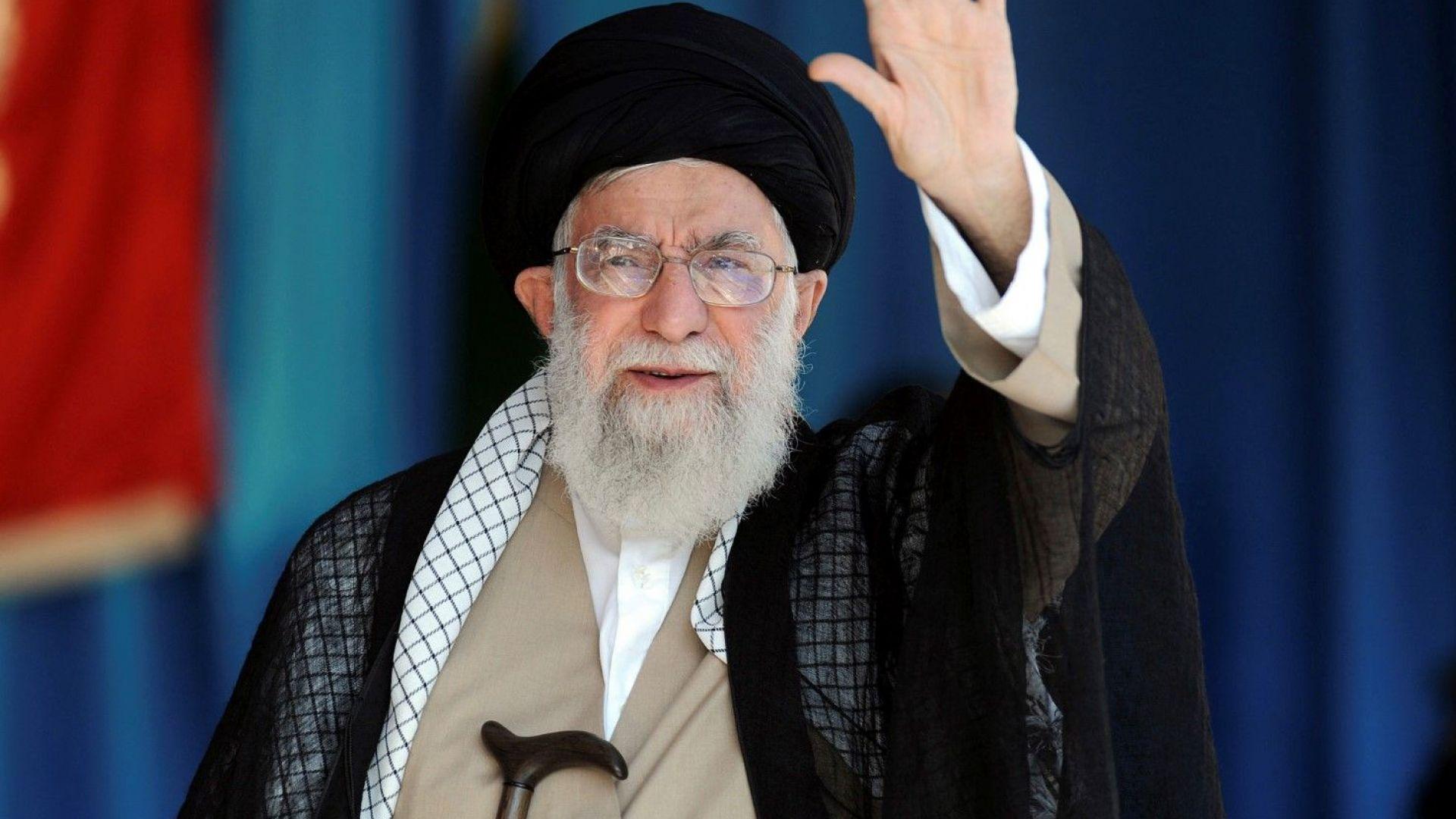 САЩ санкционираха 9 души и структура, свързани с върховния лидер на Иран