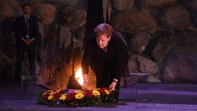 Меркел пред мемориала на жертвите на Холокоста: Германия винаги ще има задължение