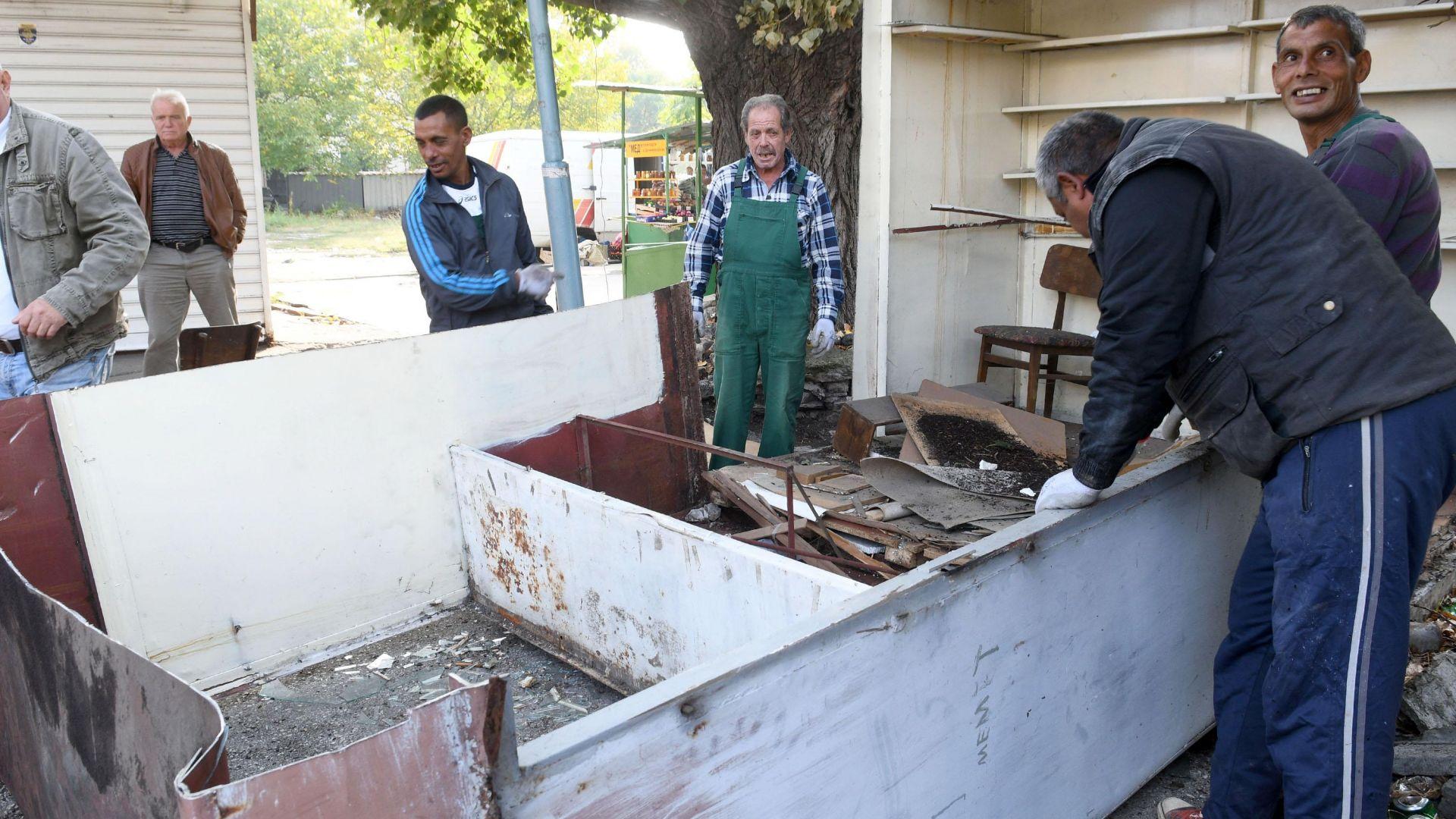 Нова акция в Столипиново срещу незаконни павилиони и гаражи