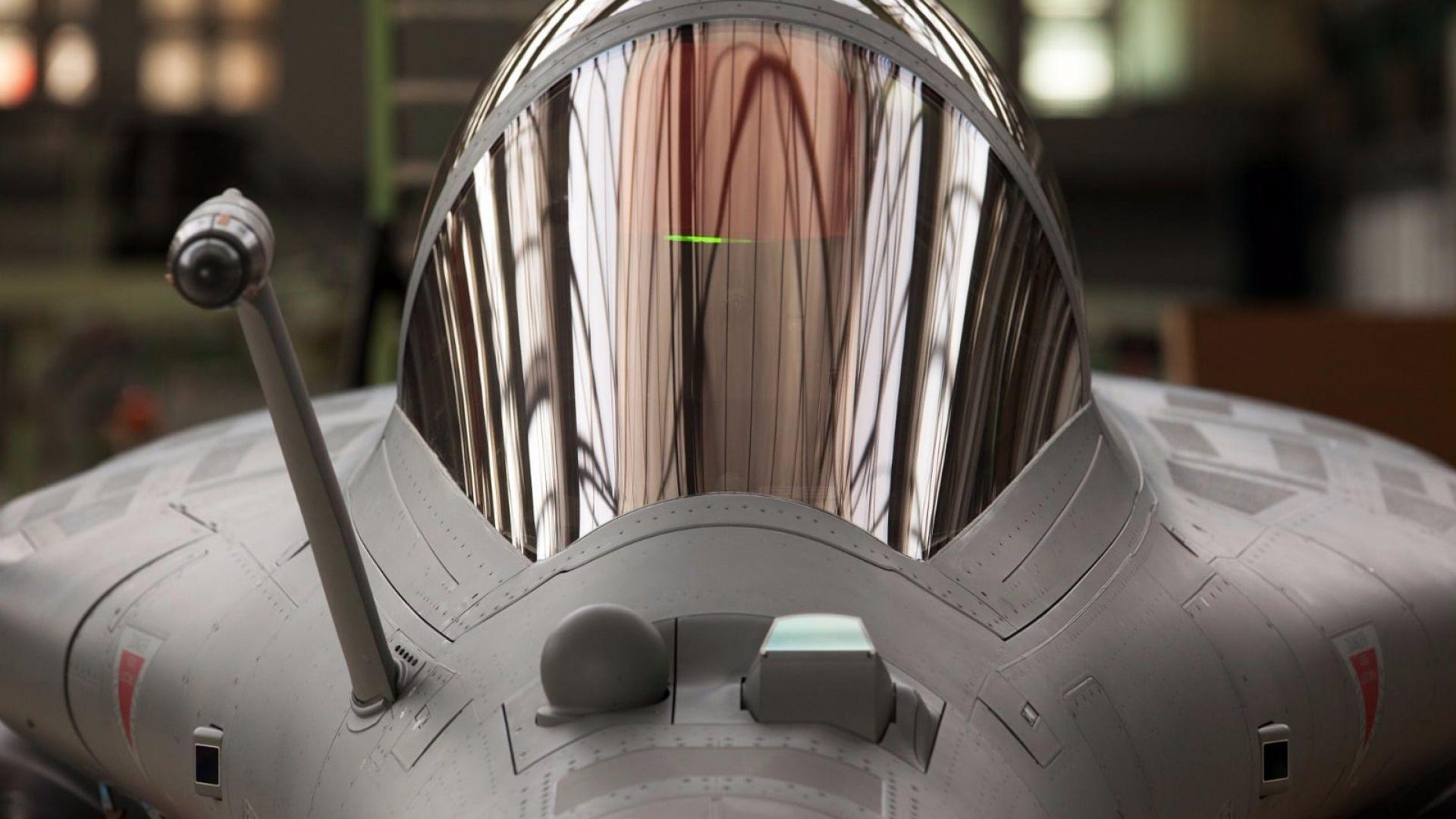 Френски изтребител тества ракета с ядрена глава