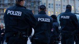 Крайнолевите в Берлин евакуирани заради бомбена заплаха