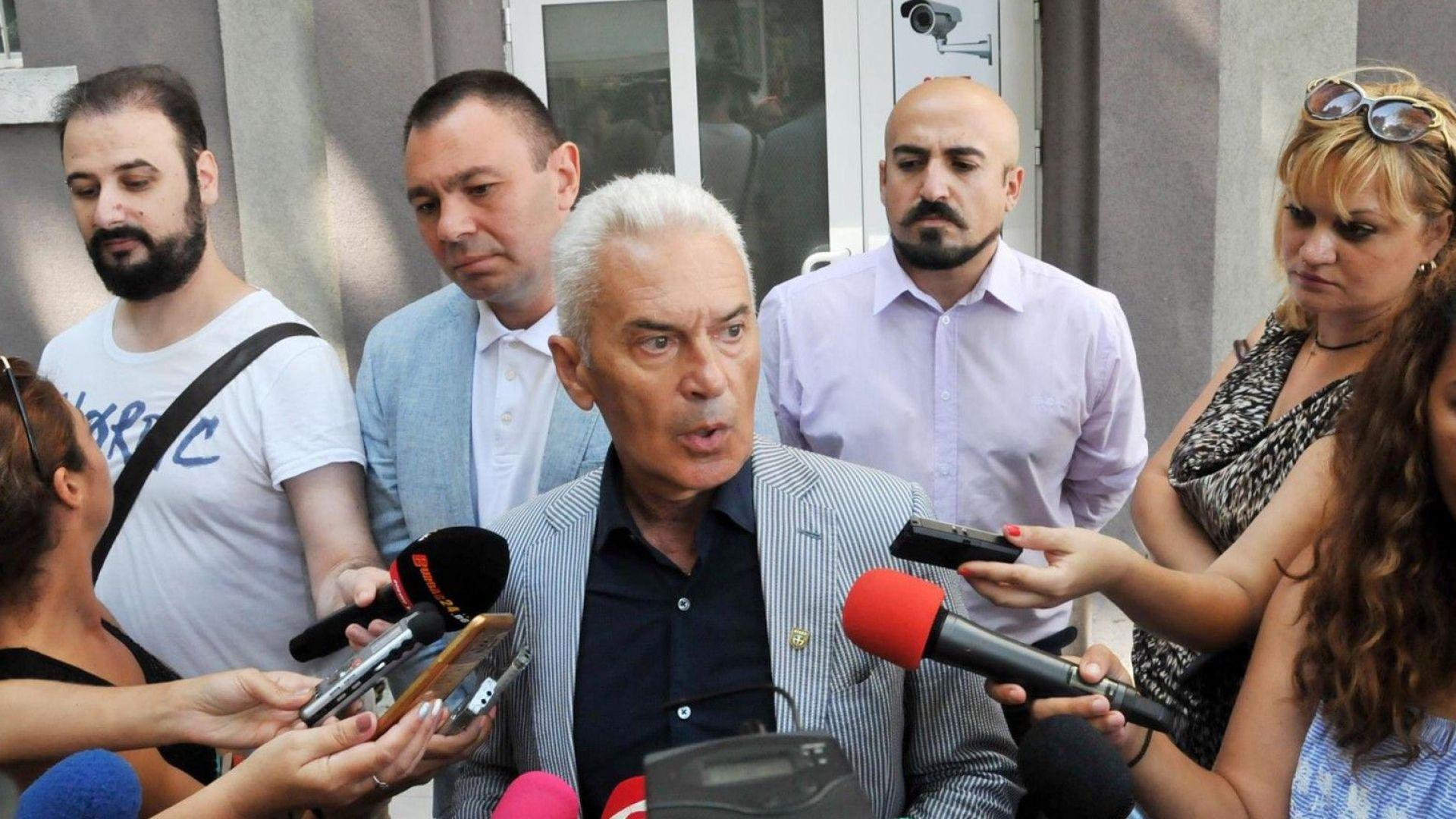 Сидеров поиска оставката на Младен Маринов